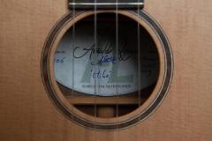 Arnaldo-Lopez-gitaarbouw-Tenor-ukulele-label-guitar